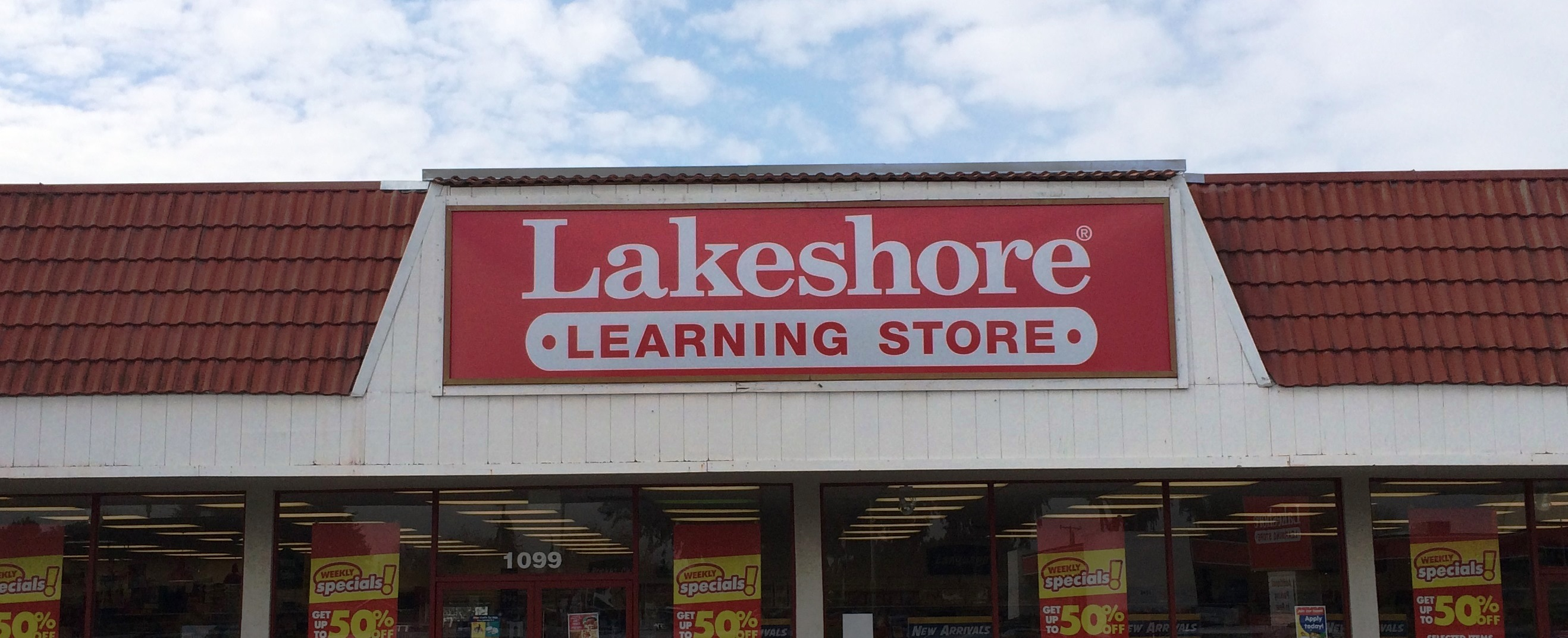 Lakeshore learning store gets new sign faces signs for Lakeshore design builders